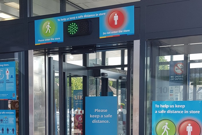 Aldi implements traffic light system for store access
